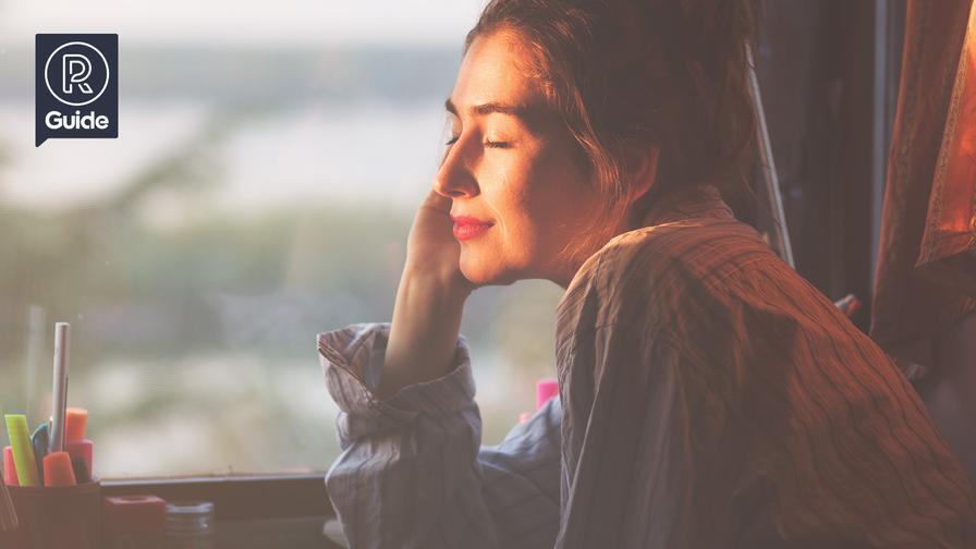 Redaktøren forsøger at finde solen (og vitamin D) ved at kigge ud af vinduet på en grå decemberdag