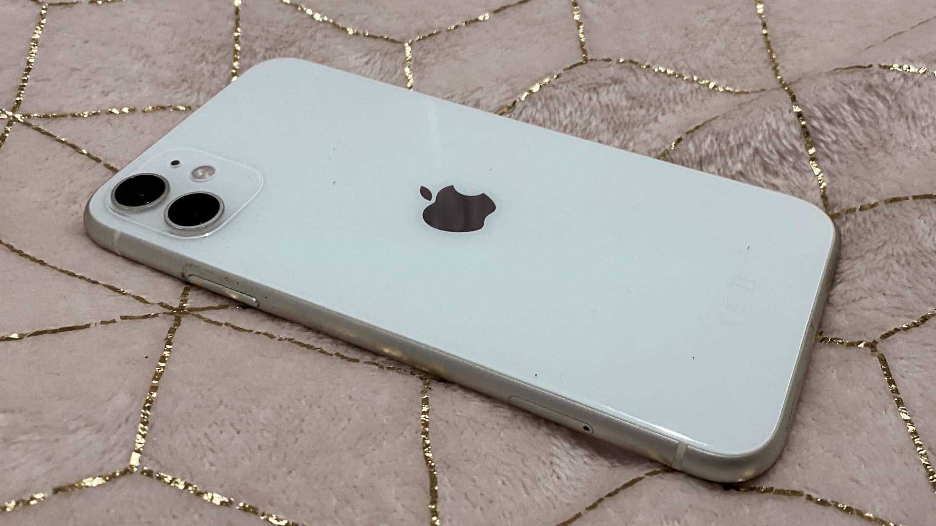 Apple iPhone 11 bagside